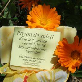 Rayon de soleil : Bergamote - Petit grain bigaradier - cèdre- Pétales de souci